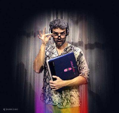 Foto de Alberto Rojas en la obra de teatro Orgullo S.O.S. (la obra)