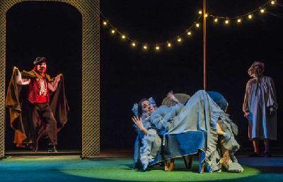 Teatro: Amor de don Perlimplín con Belisa en su jardín en TNT-Atalaya Sevilla