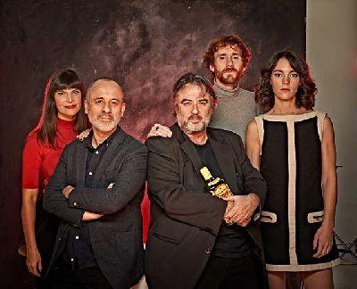 Foto promocional de la obra Principiantes (reparto y director)