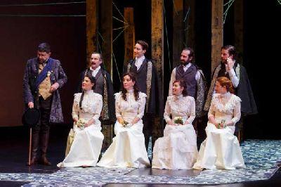 Teatro: Trabajos de amor perdidos en el Teatro Lope de Vega de Sevilla