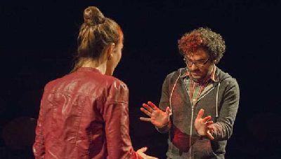 Teatro: Y elegiste tener perro en el ciclo Estrénate del CICUS de Sevilla