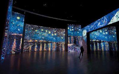 Exposición Van Gogh Alive The Experience en el Pabellón de la Navegación Sevilla